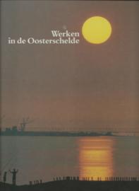 Werken in de Oosterschelde - met extra's - 1986