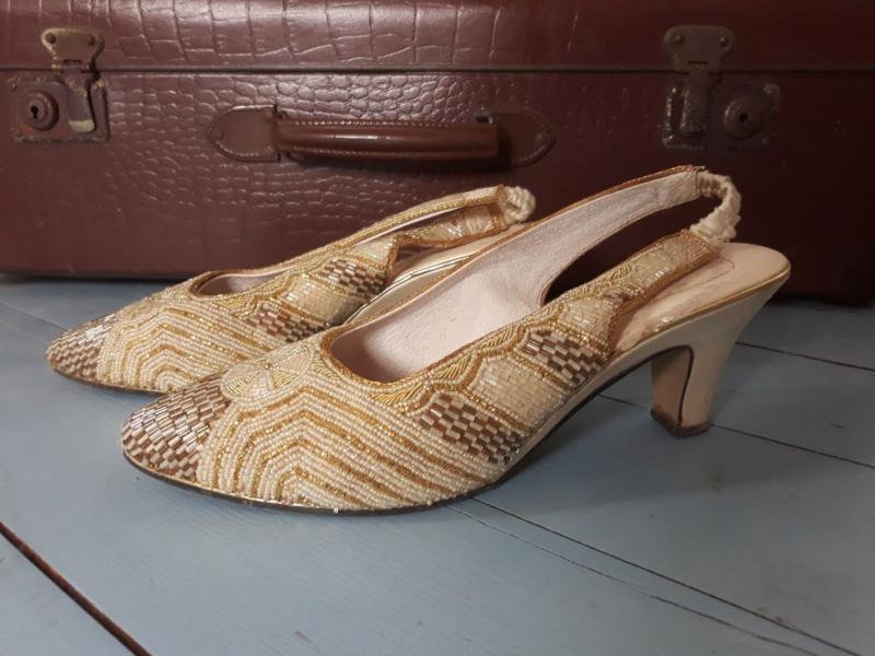 Schoenen bezet met kraaltjes