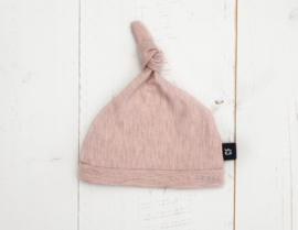 "Newborn mutsje ""Dusty Pink"""