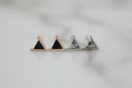 Oorbellen driehoekje wit marmer