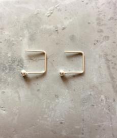 Earhooks vierkant met ball (sterling zilver 925)