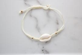 Armbandje met schelp (ivoor wit)
