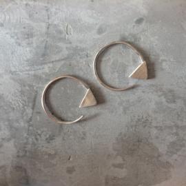 Earhooks driehoek