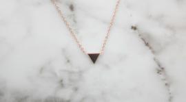 Ketting driehoekje rosegoud