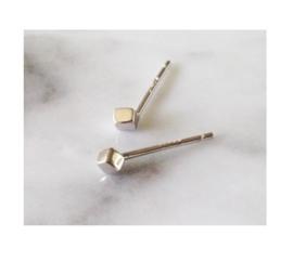 Oorknopje stud 'kubus' (3 mm) (PER STUK)