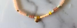 Bazou Armbandje lichtroze kraaltje met hartje