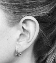 Bohemian style oorringetjes v-shape dots
