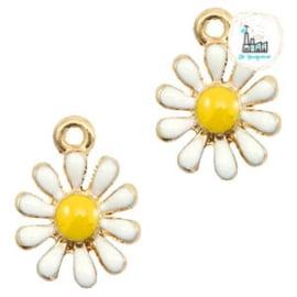 Daisy Charm 15 mmx 11 mm yellow white