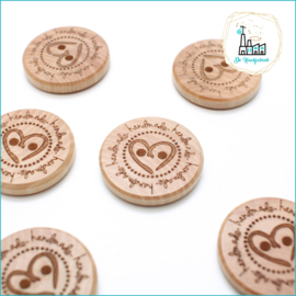 Wooden Button 25 mm 'Handmade with heart (middle)'