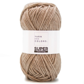 YARN AND COLORS SUPER CHARMING TAUPE 006