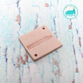 Vierkant Leren Label met tekst Handmade met bolletje Wol 3,5 cm x 3,5 cm