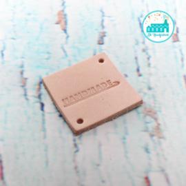 Vierkant Leren Label met tekst Handmade met Haaknaald 3,5 cm x 3,5 cm