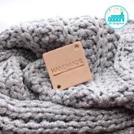 Vierkant Leren Label Handmade met haaknaald (MRT)