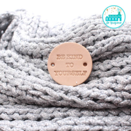 Rond leren label 3,5 cm Be Kind To Yourself
