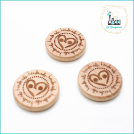 Wooden Button 20 mm 'Handmade with heart'