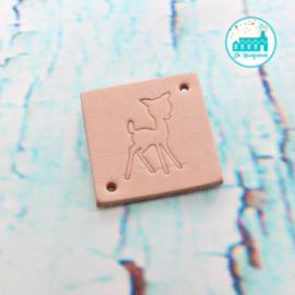 Vierkant Leren Label met tekst Klein Hertje 3,5 cm x 3,5 cm