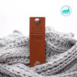 Big Labels with Push-Button Cognac 10 cm x 3 cm 'Handmade with crochet needle'