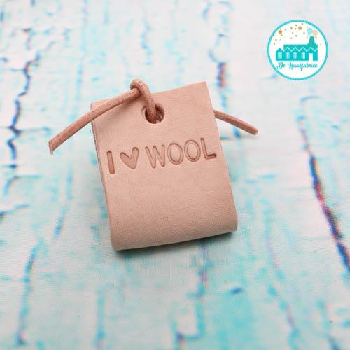 Big Labels 8 cm x 3 cm met Leren Veter I Love Wool