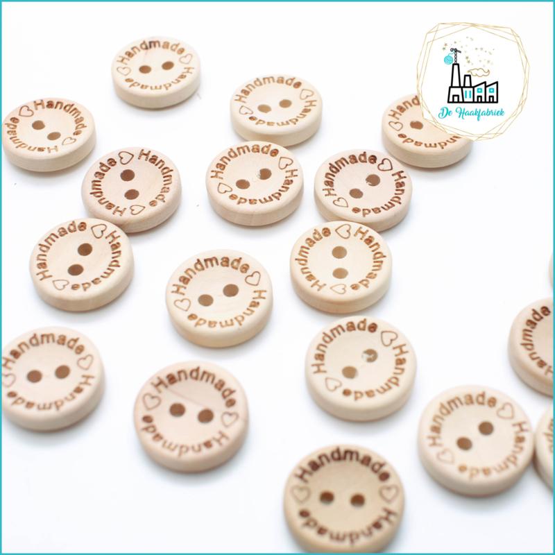 Wooden Button 15 mm 'Handmade met heart'