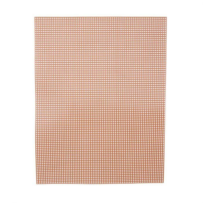Darice • Plastic Stramien 26x34cm Bruin Mesh:7