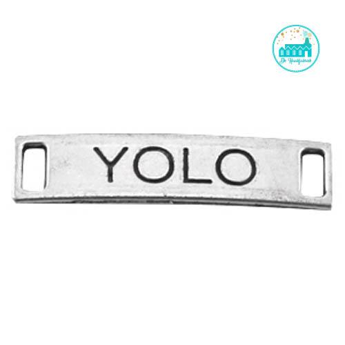 Metalen label YOLO zilverkleurig  28 mm x 6 mm