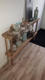 Sidetable van oud steigerhout.