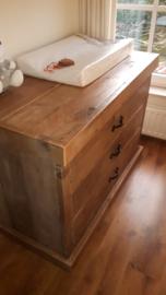 commode van oud steigerhout