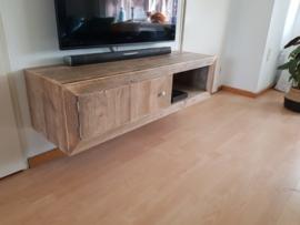 tv meubel voor aan de muur