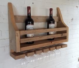 wijnrek van oud steigerhout.
