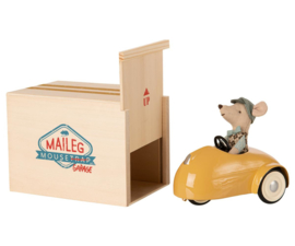 MAILEG - MOUSE CAR WITH GARAGE - YELLOW