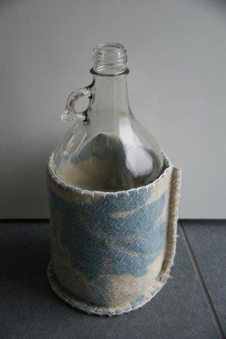 fles met wol - blauw