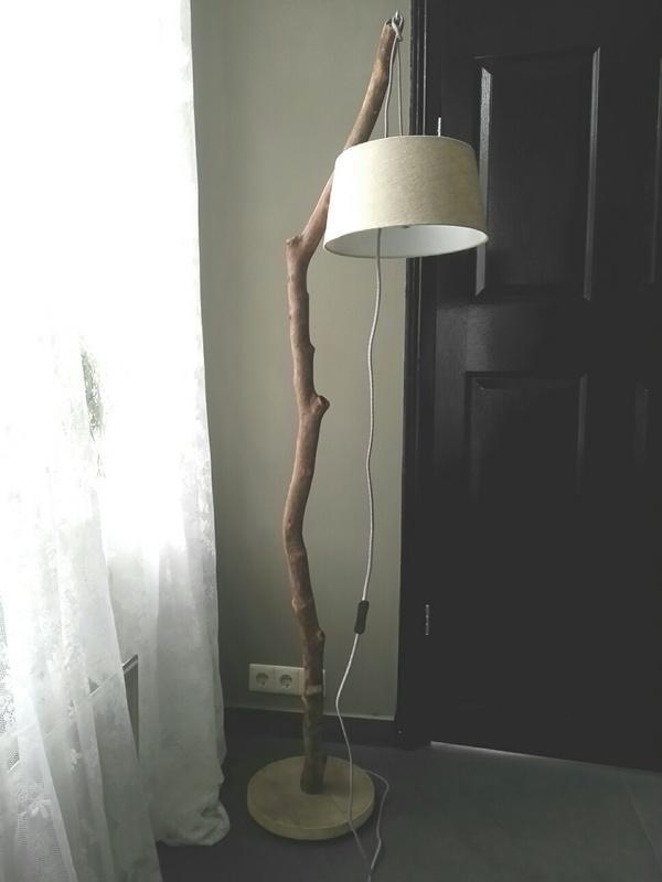 staande hanglamp met zandkleurige kap