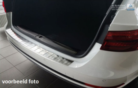 SUZUKI  GRAND VITARA  5d version for models with spare wheel  2006-2014, (FL 2008, FL 2012)   Bescherming (strip) op de achterbumper - Zilver (Silver Satine)