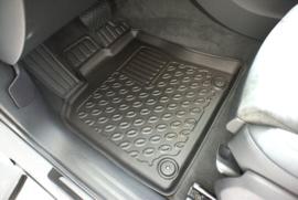 Porsche Macan SUV/5 03.2014>