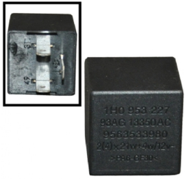 RELAY FOR TURN SIGNAL AND EMERGENCY LIGHT, 12 VOLT, 4X21 W