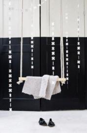 Woonslinger   kruisje olifantenpoep papier