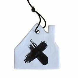 Huisje | Wit met zwart kruis