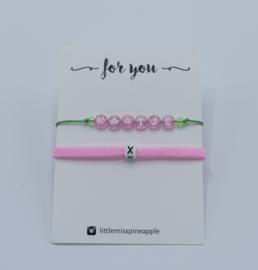 Armbandjes | naam met smal elastiek