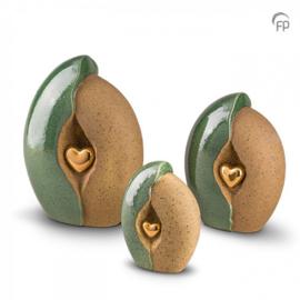 Keramische urn, groen/zand met gouden hart.