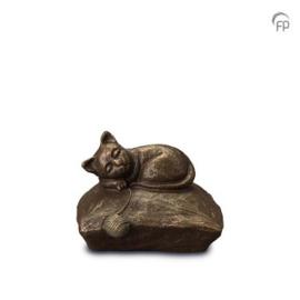 Keramische urn kussen met kat/poes in bronzen afwerking