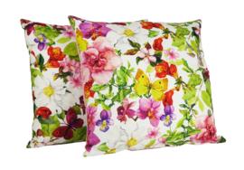 080 Kussen multicolor bloemen met roze achterzijde