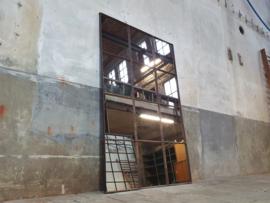 XL Industriële Stalen Spiegel | R201x128