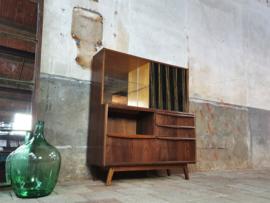 Palissander Bar & Vitrinekast | Design by Jitona