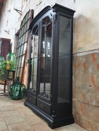 Mat Zwarte Vitrinekast | Art Nouveau Stijl