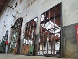 XL Industriële Stalen Spiegels | R218x128