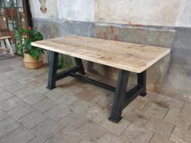 Industriële Eettafel | Zwart Staal 200x100