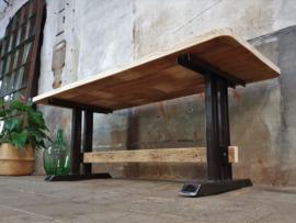Industriële Eettafel | Zwart Staal 200x80