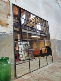 XL Industriële Spiegel R190x190