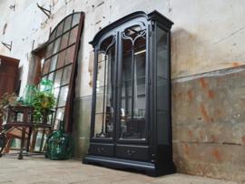Mat Zwarte Vitrinekast   Art Nouveau Stijl