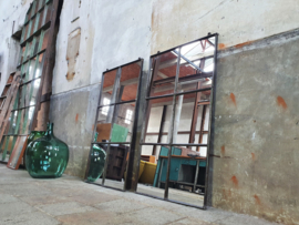 Industriële Stalen Hangspiegel | R123x68